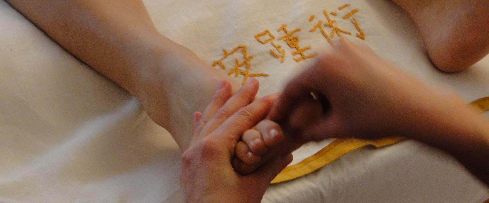 corsi di riflessologia plantare metodo on zon su arte del massaggio plantare